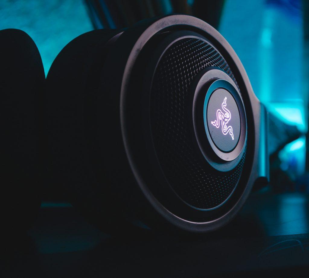 muzika-auto-zvucnik